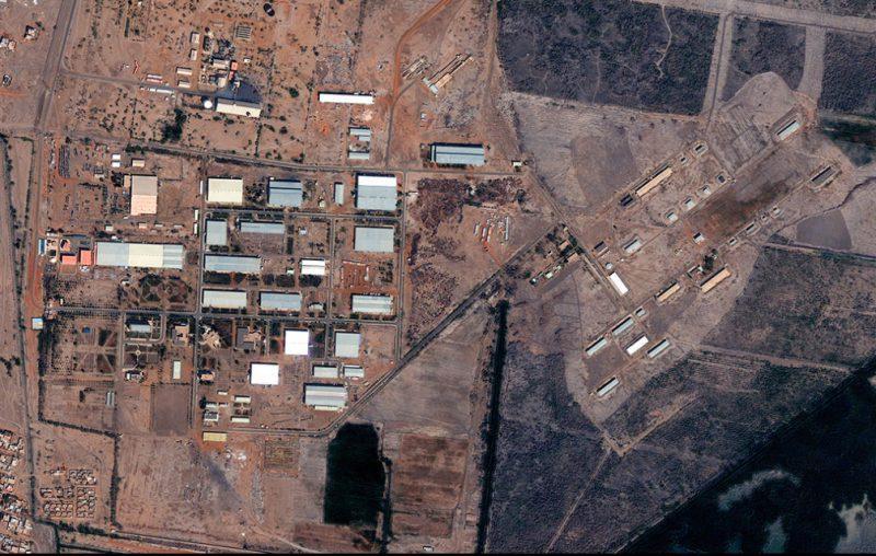 """Фото к материалу """"Снимки из космоса подтвердили взрыв суданского завода Израилем"""""""