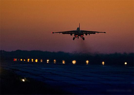 Летчики ЮВО совершили ночной авианалет на объекты условного противника