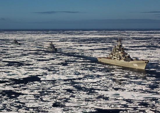 Отряд кораблей Северного флота завершил заход на Новосибирские острова