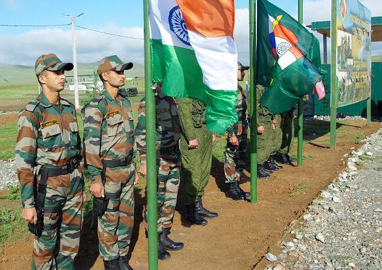 Началось совместное российско-индийское учение «Индра-2013»