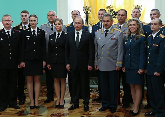 Поздравления президента выпускников военных вузов