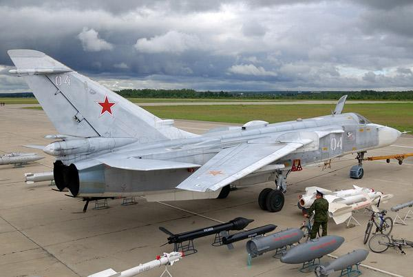 su-24-24m-frontovoj-bombaioik-01