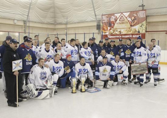 2015-11-09_hockey-550_1