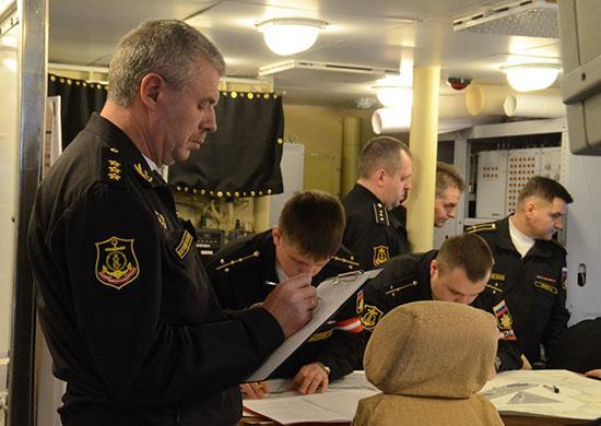Готовность экипажа МРК «Зеленый Дол» к выполнению задач проверил командующий ЧФ адмирал Александр Витко.