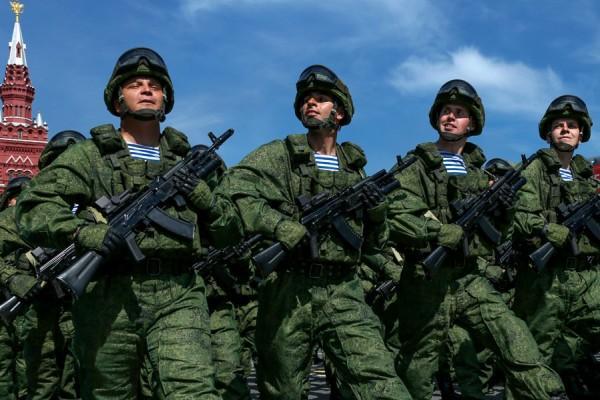 Военный парад на Красной площади в ознаменование 70-й годовщины победы в Великой Отечественной войне