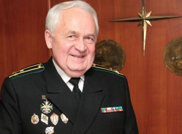 Капитан 1 ранга запаса Виктор Ревенков.