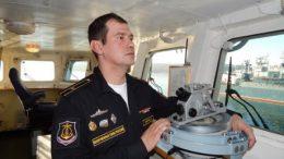 Командир корабля капитан 3 ранга Антон Величко
