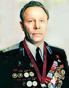 Е. Андреев.
