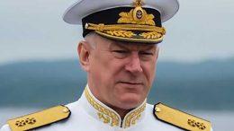 Командующий Северным флотом вице-адмирал Николай ЕВМЕНОВ.
