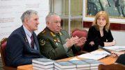 Генерал-полковник в отставке Валерий Баранов и полковник в отставке Валерий Журавель
