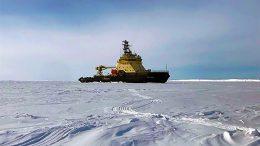 Ледокол «Илья Муромец» обеспечил проводку во льдах атомной подводной лодки Северного флота
