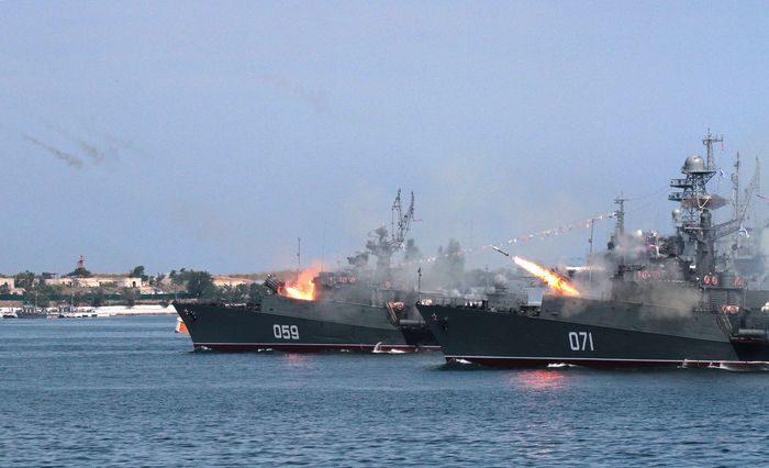 Малые противолодочные корабли «Александровец» и «Суздалец». Фото ТАСС.