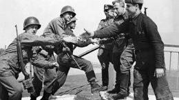 В Военно-историческом музее откроется фотовыставка «Этот День Победы порохом пропах»