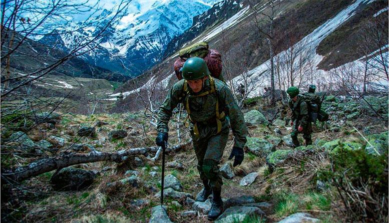 Военнослужащие инженерного батальона штурма и разграждения Сухопутных войск учатся действовать в горах
