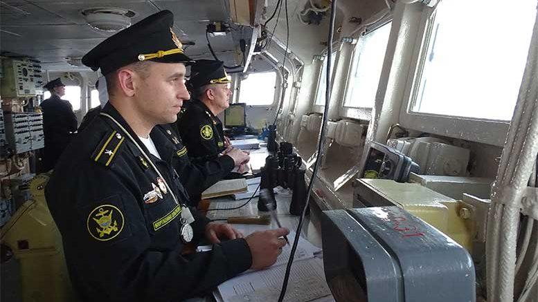 """Гвардейский ракетный крейсер """"Варяг"""" провел ракетные и артиллерийские стрельбы Японском море"""