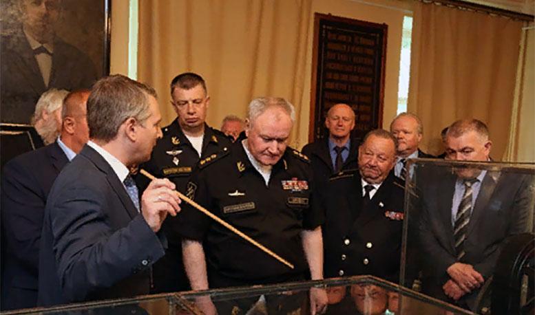 Главком ВМФ России адмирал Владимир Королёв открыл мемориальный кабинет-музей А.С. Попова в Кронштадте