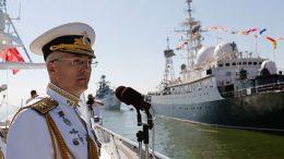 Командующий Балтийским флотом поздравил личный состав объединения с Днем ВМФ