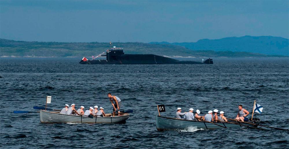 На Северном флоте состоялась репетиция парада кораблей ко Дню ВМФ России