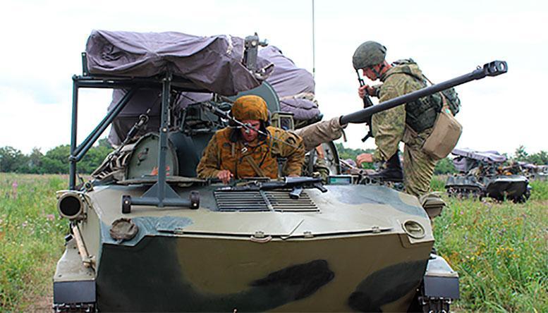 Более 2500 военнослужащих принимают участие в полковых тактических учениях Воздушно-десантных войск РФ под Рязанью