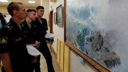 Во владивостокском Доме офицеров флота работает выставка в честь 70-летия со дня рождения известного приморского художника.