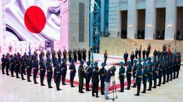 Министр обороны России генерал армии Сергей Шойгу встретился в Москве со своим японским коллегой Ицунори Онодэрой