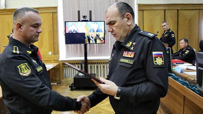 Командующий Черноморским флотом вице-адмирал Александр Моисеев вручил государственные награды офицерам флота