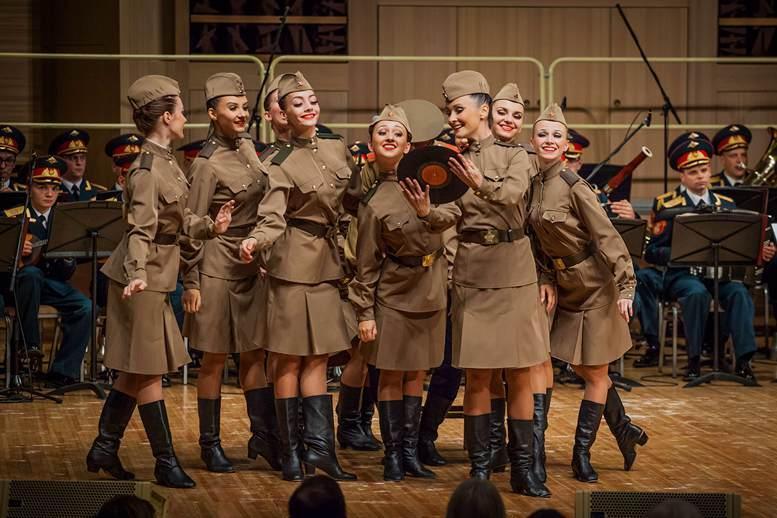 Балетная группа Ансамбля Александрова сегодня.