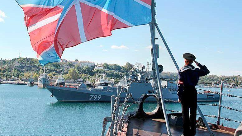 Новейший фрегат Черноморского флота «Адмирал Макаров» впервые прибыл в Севастополь