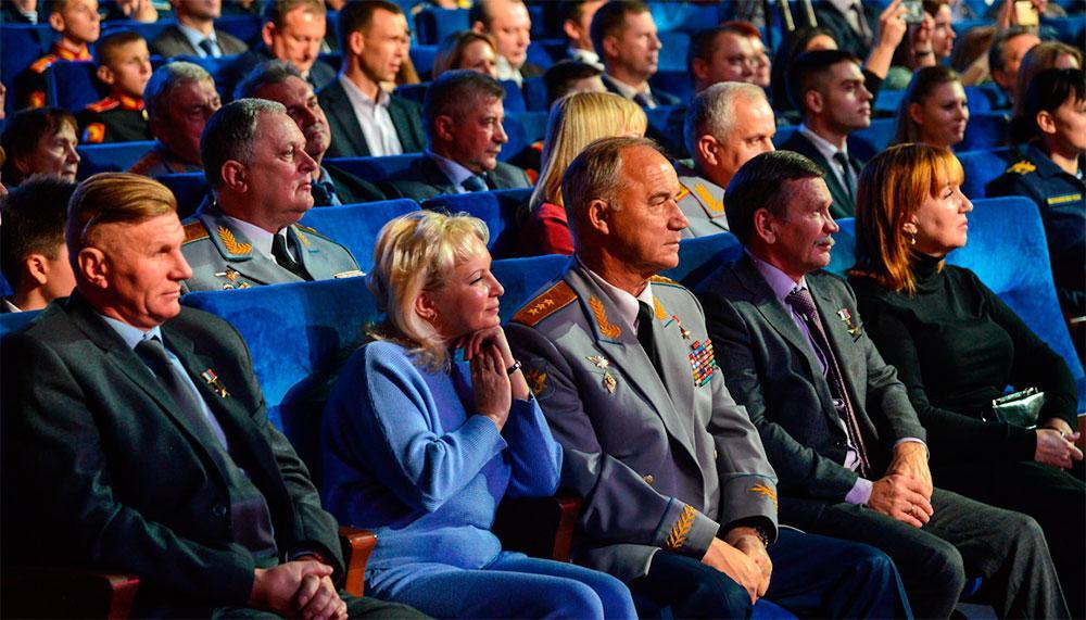 Министр обороны России принял участие в праздничном концерте, посвященном 100-летию РВВДКУ имени генерала армии В.Ф. Маргелова