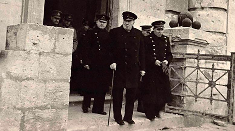 В Президентской библиотеке впервые представлены фотографии визита участников Ялтинской конференции