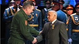 Командующий войсками ЦВО поздравил окружной Дом офицеров с 90-летним юбилеем