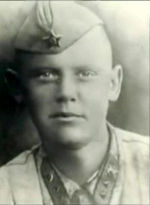 Сержант Л. ГАЙДАЙ, 1942 г.
