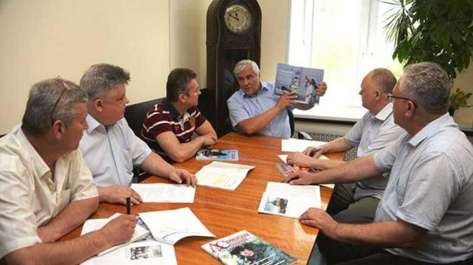 Заседание редакционного совета. Фото Юрия ШИПИЛОВА.