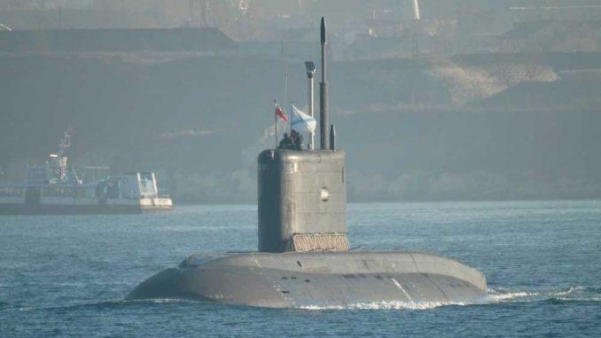 Подводная лодка Черноморского флота «Ростов-на-Дону» вернулась в пункт базирования