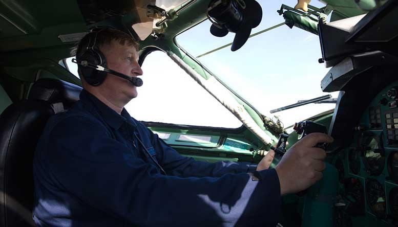 Лётчики учебно-авиационной базы обеспечивают практические занятия будущих офицеров ВКС.