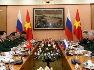 Российская делегация во главе с заместителем Министра обороны генерал-полковником Андреем Картаполовым посетила Республику Вьетнам