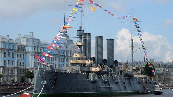 На крейсере «Аврора» – филиал Центрального военно-морского музея имени императора Петра Великого.