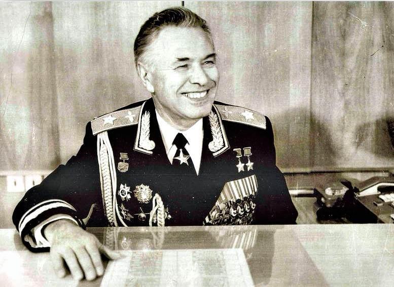 Один из легендарных начальников ВВА им. Ю.А. Гагарина маршал авиации Н.М. Скоморохов (1980-е гг.).