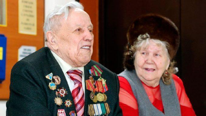 Ветеран Великой Отечественной войны спустя 75 лет пострелял из гаубицы на полигоне Кузбасса