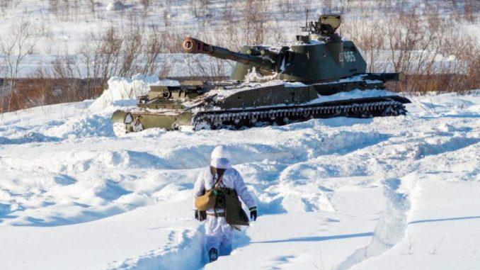 Артиллеристы армейского корпуса Северного флота совершенствуют полевую выучку в условиях Заполярья