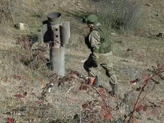 Российские миротворцы приступили к разминированию окраины города Степанакерт