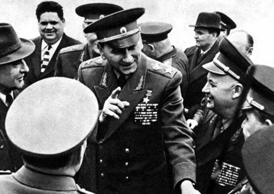 Главнокомандующий ОВС государств — участников Варшавского Договора Маршал Советского Союза А.А. Гречко в районе совместных учений. 1961 г.
